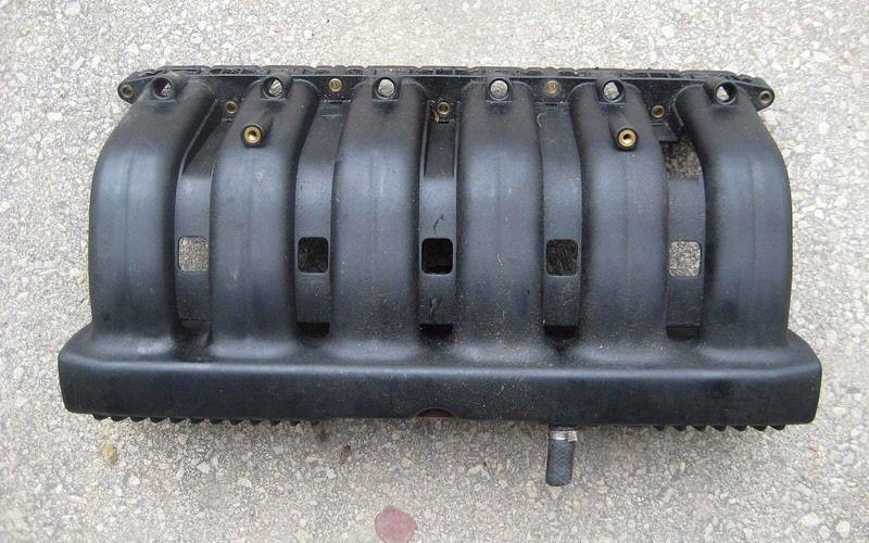 Obrázok 2 Sanie M50 zdroj: https://www.gumtree.com/p/car-replacement-parts/bmw-e36-m50-manifold-/1223696431
